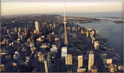 Toronto City Skyline - Hola Toronto Walking Tours